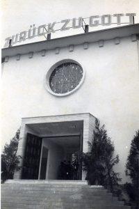 Foto antiga da frente da igreja